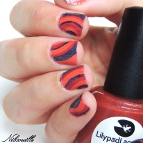 Water Marble featuring Rainbows In Space, Rebel At Heart et Sweet As A Peach (LilypadLacquer).